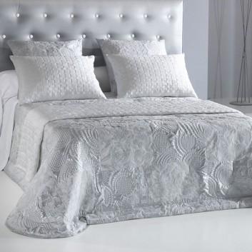 Michel Viaud Estrela Padded Bedspread